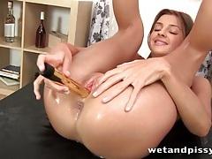 Pissing and dildo fucking brunette girl tubes