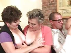 Young guy sucks tits of three mature chicks tubes