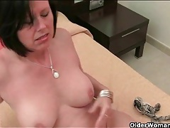 Beautiful mom with big boobs masturbates solo tubes
