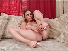 Beautiful 18 year old masturbates and fingers solo tubes