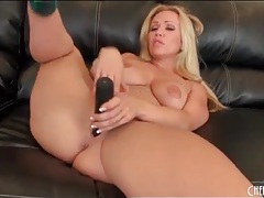 Big ass blonde austin taylor strips and has toy sex tubes