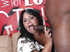 Bbw kisses and blows a horny black guy tubes