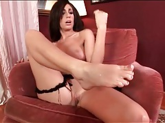 Beauty sucks cum and whipped cream from her feet tubes