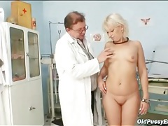 Speculum lets the doctor look into her mature cunt tubes