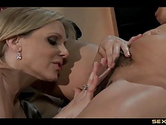 Julia ann buries her face in a lesbian cunt tubes
