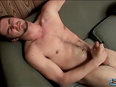 Cumshot lands on his hairy stomach tubes
