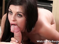 Cock swallowing cutie with pretty green eyes tubes