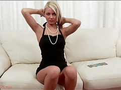 Sexy blonde in a solo striptease porn video tubes
