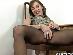 Old chick in heels makes her needy pussy feel good tubes