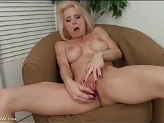 Mature with foxy fake tits fucks a dildo tubes