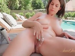 Mom with truly perfect big tits relaxes poolside tubes