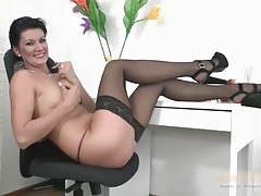 Black stockngs and heels are sexy on a milf babe tubes