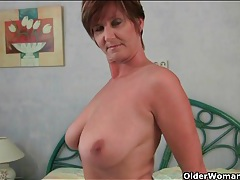 Big natural mature tits fondled by eager hands tubes