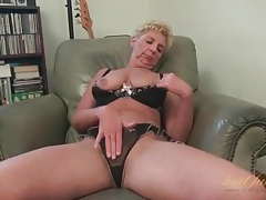 Saggy tits granny is naked to masturbate tubes