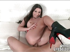Glamorous beauty gives you her tight asshole tubes