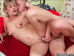 He cums on the old chick and keeps fucking her tubes