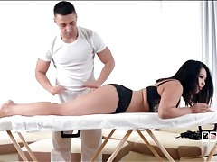 Masseur gets a footjob from his client tubes