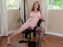Finger blasting makes this old granny moan loudly tubes