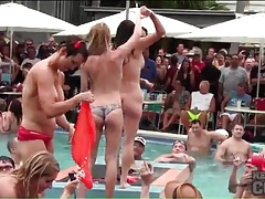Amateurs gladly get naked at a pool party tubes