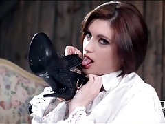 Sexy english lass brook scott strips off her boots tubes