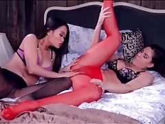 Lesbians rip their pantyhose and lick pussy tubes
