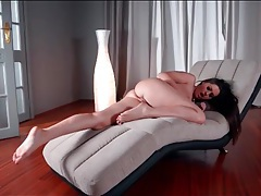 Masturbating goddess shows off her pretty feet tubes