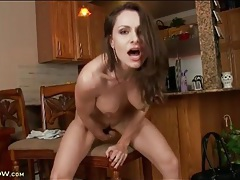 Leggy mom gets close to an orgasm tubes