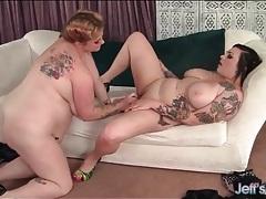 Lesbian goth bbw fucked with a big toy tubes