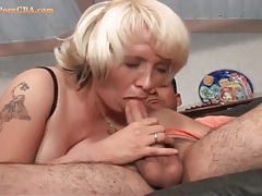 Licking a chubby milf and pounding her pussy tubes