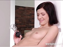 Hottie plays with her pussy and fucks a dildo tubes