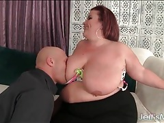 Redheaded fat girl sucks his big dick tubes