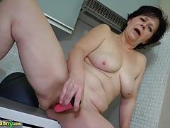 Granny mature masturbate tubes