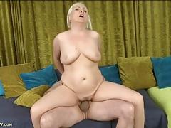 Curvy mommy rides boner and moans erotically tubes