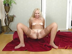 Amateur milf lingerie striptease is a sensual treat tubes