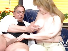 Saggy tits mature chick with curves sucks a dick tubes