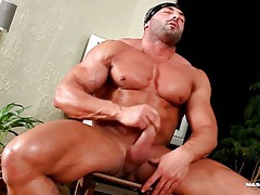 Hot naked body builder jerks off his dick tubes