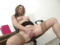 Milf takes a break at work to masturbate her lusty box tubes