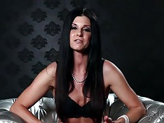 India summer is a charming chick before she shoots porn tubes