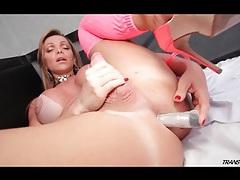 Shemale pornstar carla novaes masturbates with a toy tubes