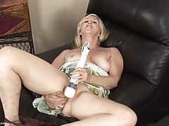 Old babe with a magic wand turns on her cunt tubes