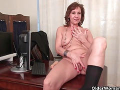 Old secretary kelli strips off and fingers her hairy pussy tubes