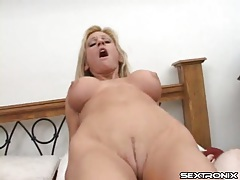 Bad mommy with implants loves his dick tubes