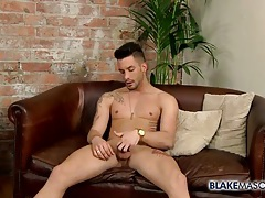 Amateur bear on his knees to suck dick tubes