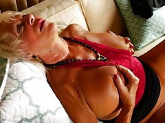 Tanned granny fondles her big sexy tits tubes