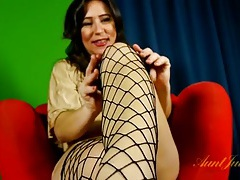 Mommy puts on fishnets to masturbate solo tubes