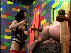 Mistress leah wilde flogs his tight body tubes