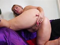 Chubby ass solo mature babe masturbates solo tubes