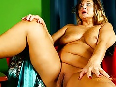 Big momma puts her sexy curves on display tubes