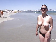 Amateur with nice tits chats on the beach tubes