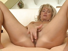 Naked milf janet darling masturbates in bed tubes